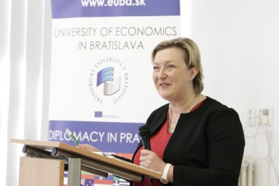 Univerzitné udalosti » 25th Edition of Diplomacy in Practice Launched by the Irish Ambassador